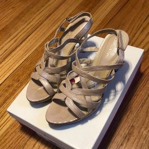 Naturalizer heels size 9.5, taupe